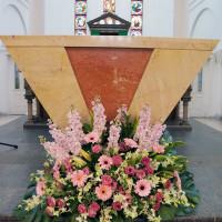 altar-pink